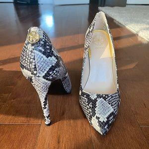 Guess new snakeskin heels pumps